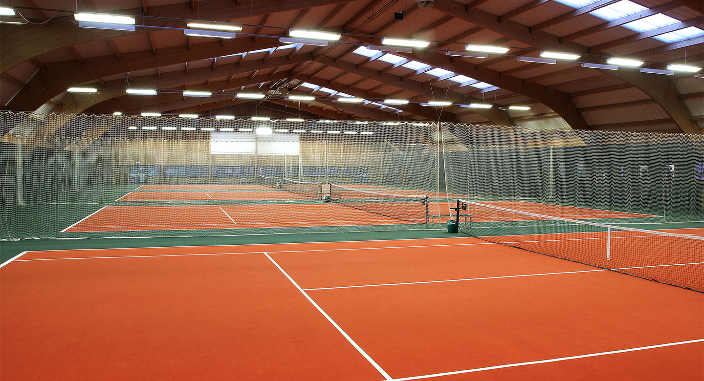 David Lloyd Birmingham indoor tennis courts