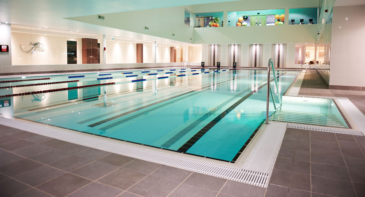 David Lloyd Farnham indoor pool