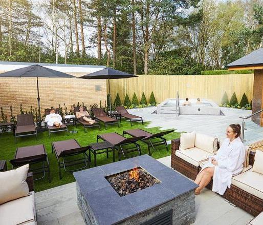 Image of the outdoor spa garden at David Lloyd Royal Berkshire