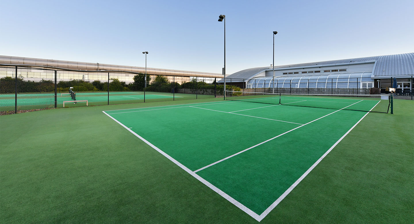 Swindon outdoor tennis courts