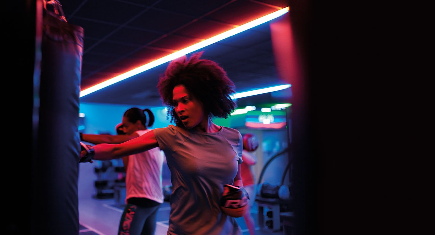 Image of lady punching during a Blaze exercise class