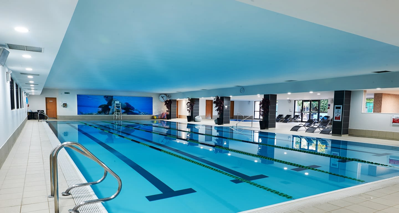 25m indoor swimming pool at David Lloyd Heston