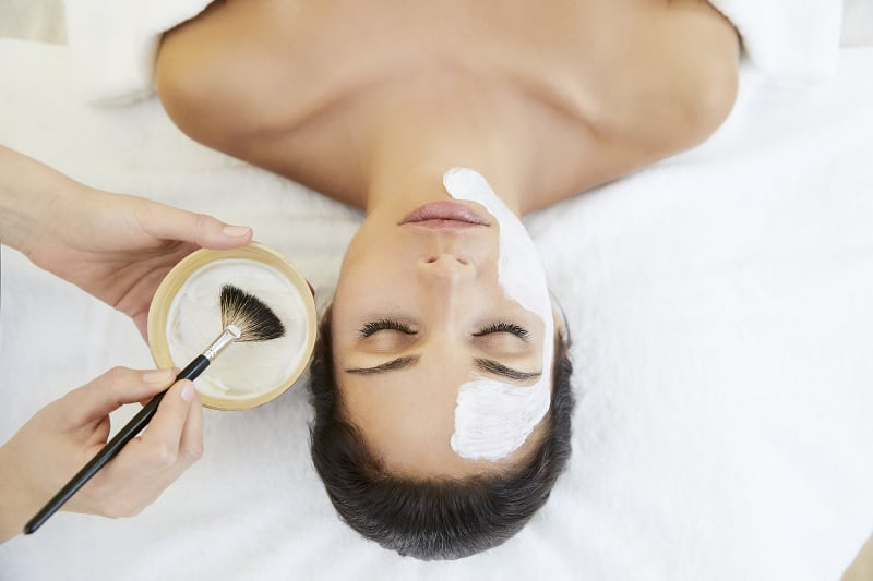 Gesichtsbehandlung im Face & Body Day Spa