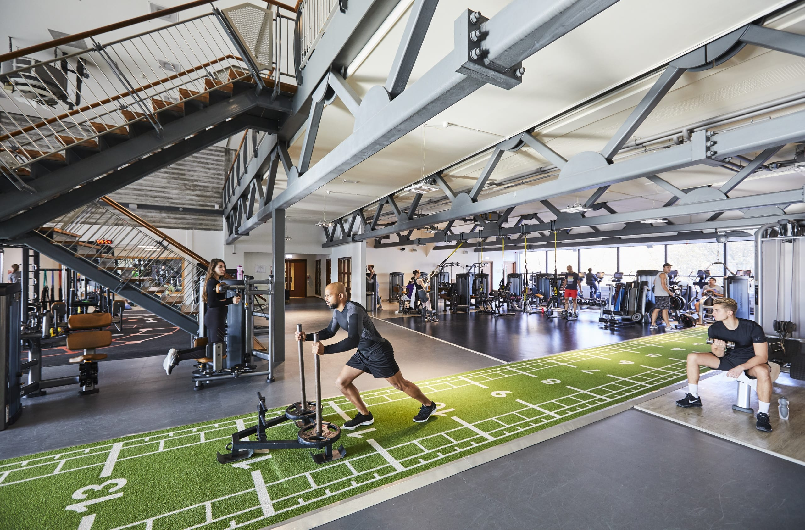 Image of the gym at David Lloyd Rotterdam Centrum