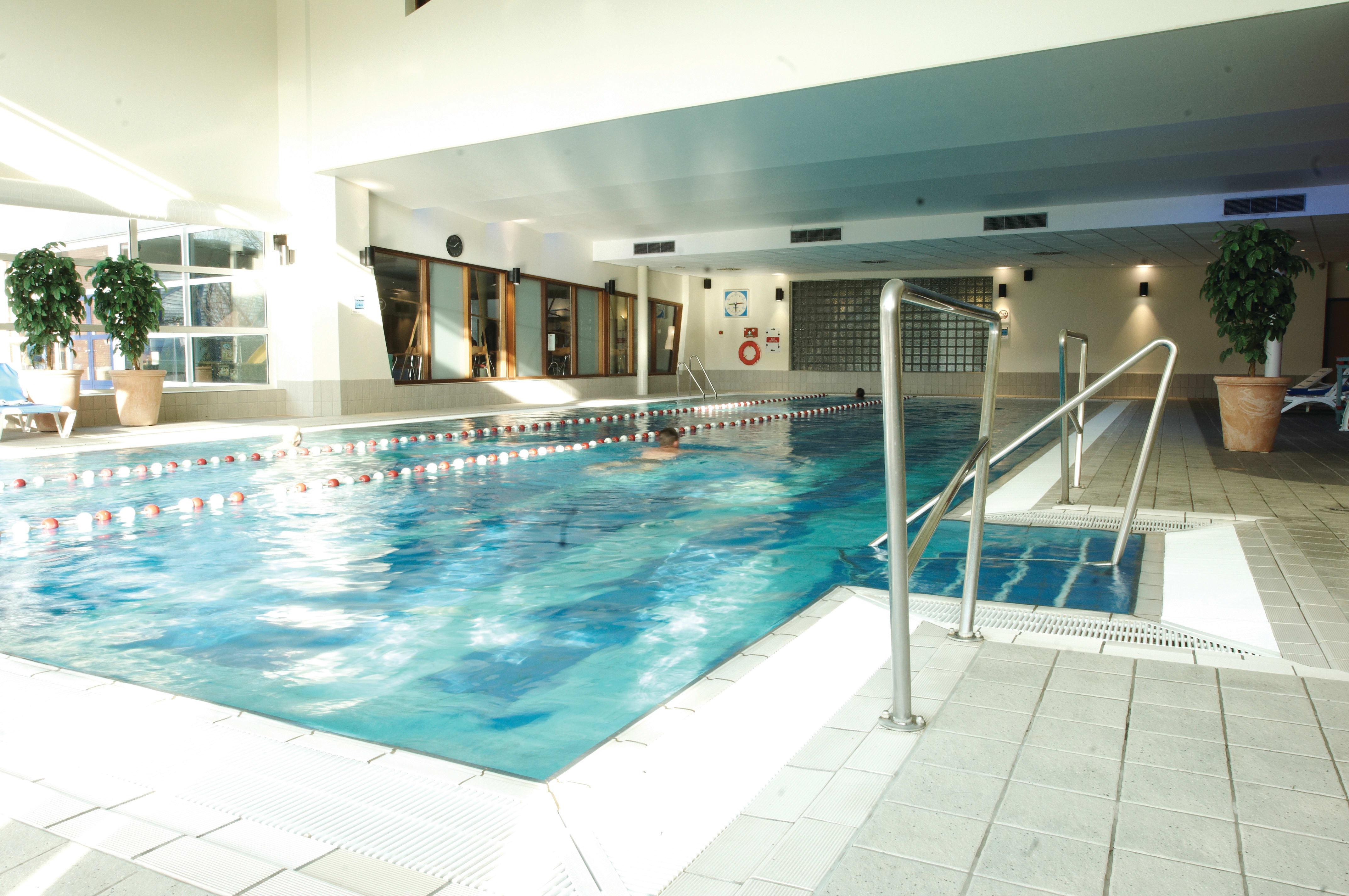 Image of the pool at David Lloyd Utrecht