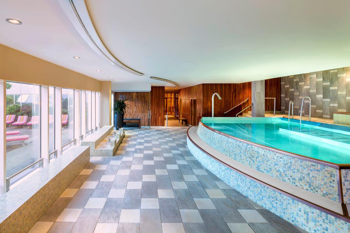 Wellness Pool im Meridian Sophienhof
