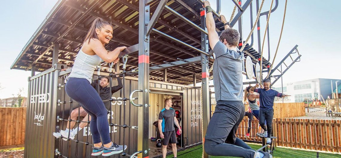 Battlebox pullups and climbing